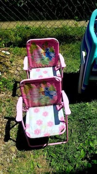 2 barbie chairs and 6 hard plastic kids chairs