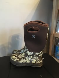 Rain and winter boots. Size 2