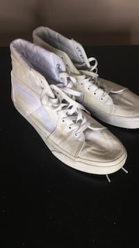 Men's White Vans Off The Wall Shoes/ Sneakers Surrey, V3T 2W8