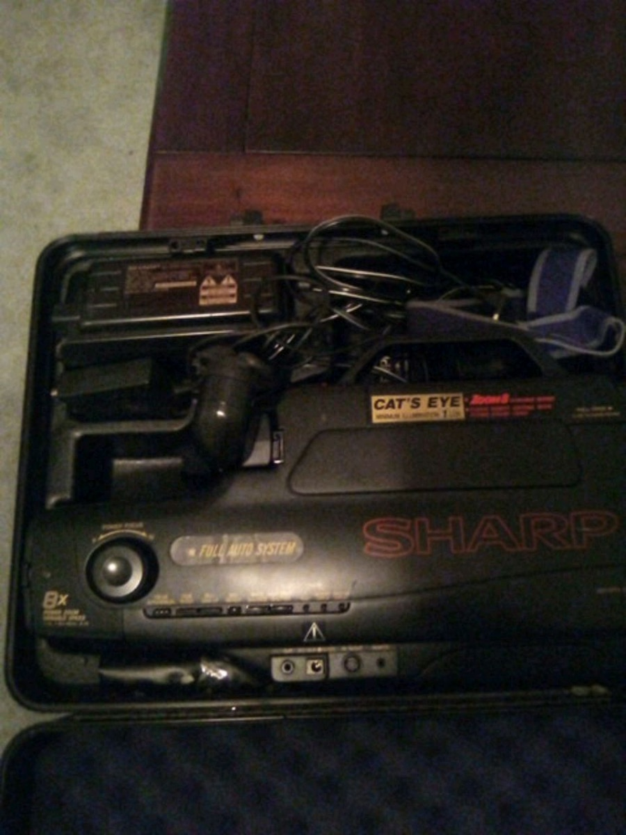Photo Sharp vhs camcorder cats eye collectable