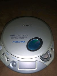 Sony Walkman WITH Am/Fm radio!  RARE! Was in time capsule!