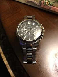 Beautiful men's lg Fossil watch $45 247 mi
