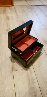 red and black wooden chest box jewellery Vaughan, L4H 2G5