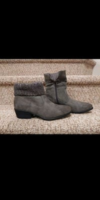 NEW Women's Size 8  BOOTS [Retail $89] Sweater Top up/down  Woodbridge, 22193