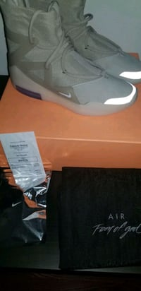 Nike air fear of god oatmeal size 10 or best offer Markham, L3R 7H4