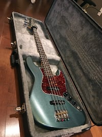 Bass guitar+sound pick-up+ case 沃恩, L4J 5R7