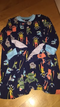 Like new size 2T Carter's fleece footed pyjamas in a monster pattern. I don't believe my son ever wore this pair.  Laval, H7Y 2C1