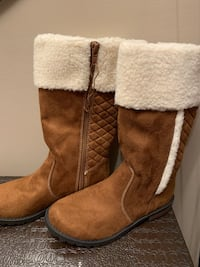 Brand new girls size 3 boots Calgary, T1Y 1X7
