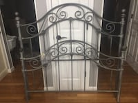 Wrought iron full size bed headboard and footboard plus rails 56 km