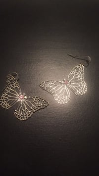 Silver-colored butterfly pendant 48 km