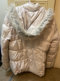 Guess Winter Jacket Size XL New Westminster, V3M 2M6