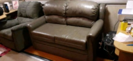 Rv Leather Sofa w/Hideaway bed