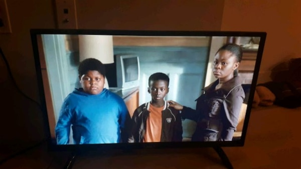 RCA 32 Smart TV 2 month old
