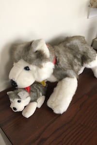 Plush Build-a-Bear husky dog with magnet and pup