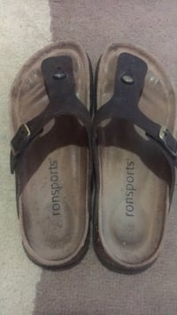 pair of black-and-brown leather sandals Burnaby, V5B 3E1