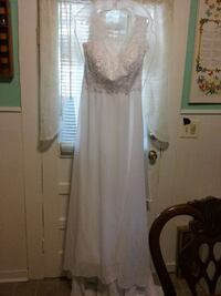 white full length wedding gown. New size 16 Buena Vista, 24416