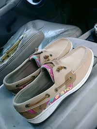 pair of brand new sperrys never worn size 6 Chickamauga, 30707