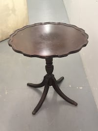 Brown wooden pedestal table Springfield, 22150