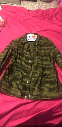 Army pattern button up jacket (size M) Clinton, 20735