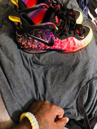 red-and-black Nike Foamposite 1 Gaithersburg, 20879