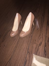 Heels size 8 brand new great price  Côte-Saint-Luc, H4W 3L1