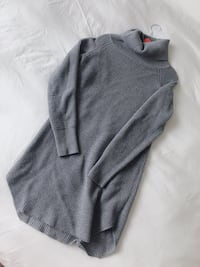 ARITZIA sweater Size S 8/10 condition Vancouver, V6Z 1Y6