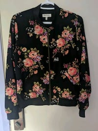 2 beautiful floral jackets  London, N5V 4N5
