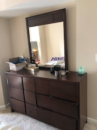 Dresser with mirror. In pretty good shape!  Herndon, 20170
