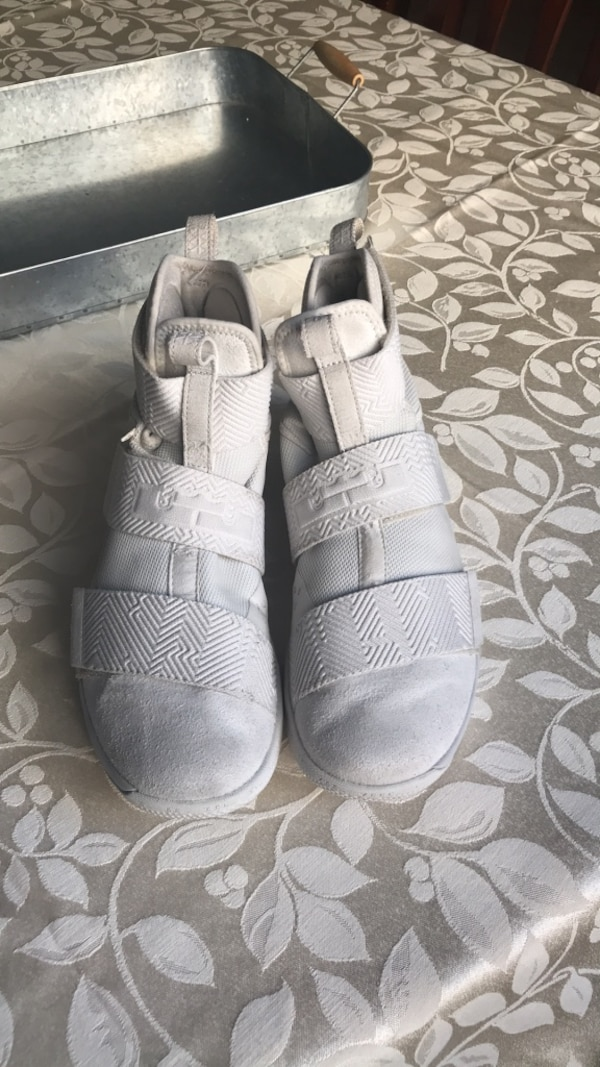 25de05bb008e Used Size 8.5 men s basketball shoes for sale in Perris - letgo