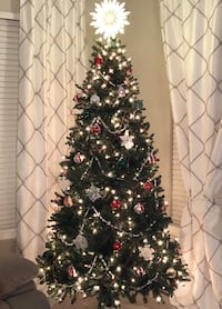 7.5 foot Christmas Tree with Rotating Stand