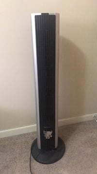 Tall standing and rotating fan Edmonton, T5T 3S5
