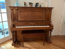 Beautiful piano for sale