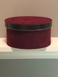 VALENTINE'S DAY Ruby red velvet with lid to put special gift in Edmonton, T5P 0T8