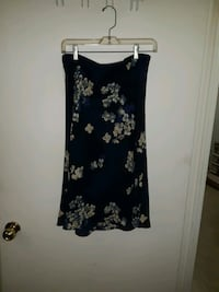 Navy blue floral skirt Cambridge, N1R 2Z9