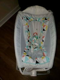 baby's white and green bouncer Bailey's Crossroads, 22041
