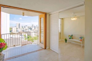 French Doors! Condo For Sale 2BR 1BA!!