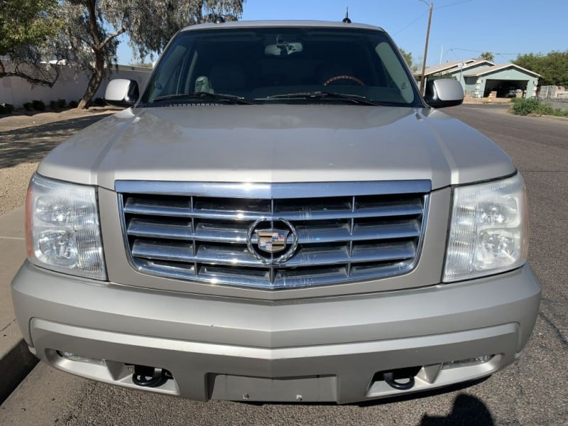 2005 CADILLAC ESCALADE LUXURY 1