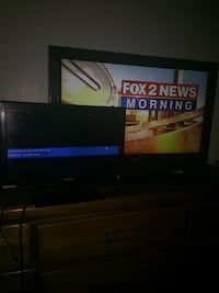 Two Black flat screen tv 32 and 20 inch no remotes firm price Detroit, 48205