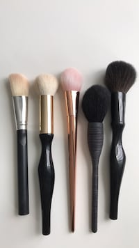 Five blush & powder brushes   Des Moines, 50311