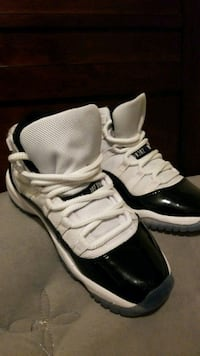 (Size 4Y) Black and White Georgetowns  Virginia Beach, 23464