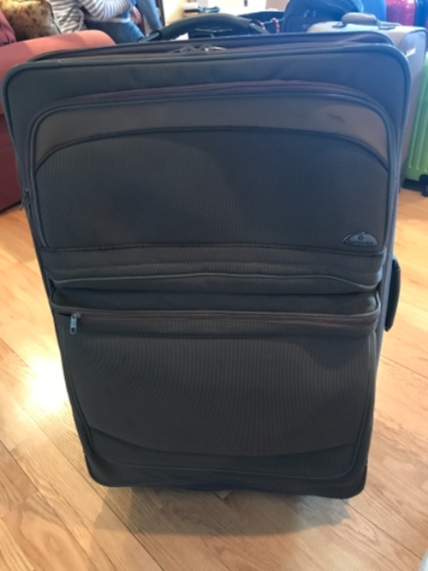 f94d9fad0102 Used Suitcase (taupe) for sale in HICKSVILLE - letgo