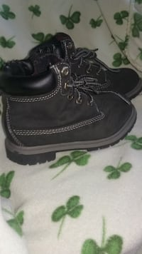 Toddler size 10 boot with side zipper Coon Rapids