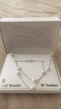 Fresh water pearl necklace and bracelet  Seaside Heights, 08751