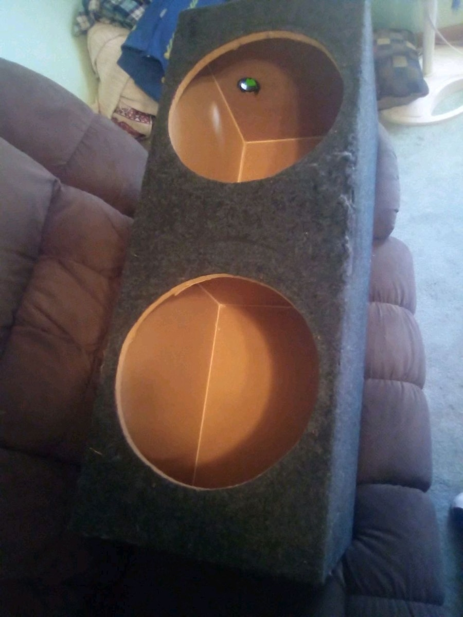 Photo Sealed box for 2 12 inch subs