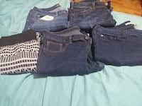 4 pairs of jeans and 1 pair of tights Brantford, N3R 5T1