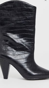 Leather croc boots Baltimore, 21217