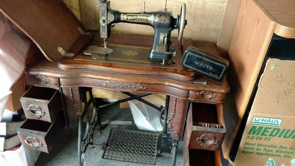 Used 40 White Rotary Sewing Machine In Table For Sale In Ocala Letgo Unique White Rotary Sewing Machine Table