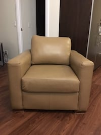Leather Accent Chair 548 km