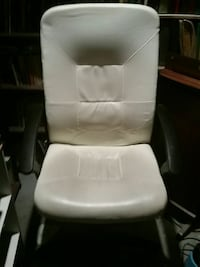 White faux-leather desk chair Toronto, M8V 1M2
