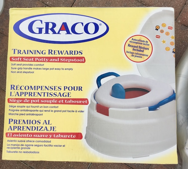 Wondrous Graco Training Rewards Soft Seat Potty And Stepstool Box Gmtry Best Dining Table And Chair Ideas Images Gmtryco